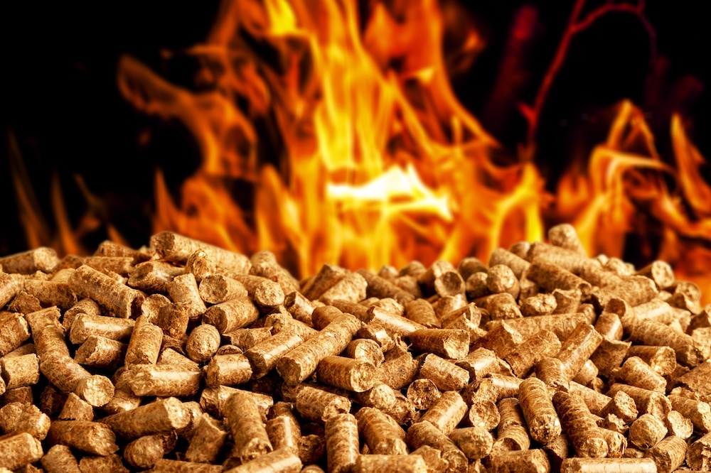 how does a pellet smoker work