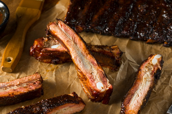 Smoked Barbecue Pork Ribs with Sauce