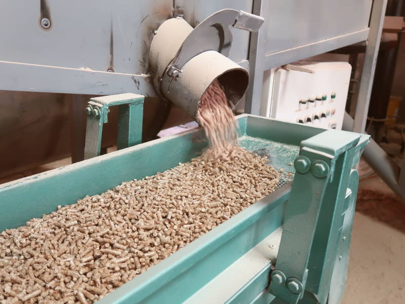 What Are Pellets Made Of