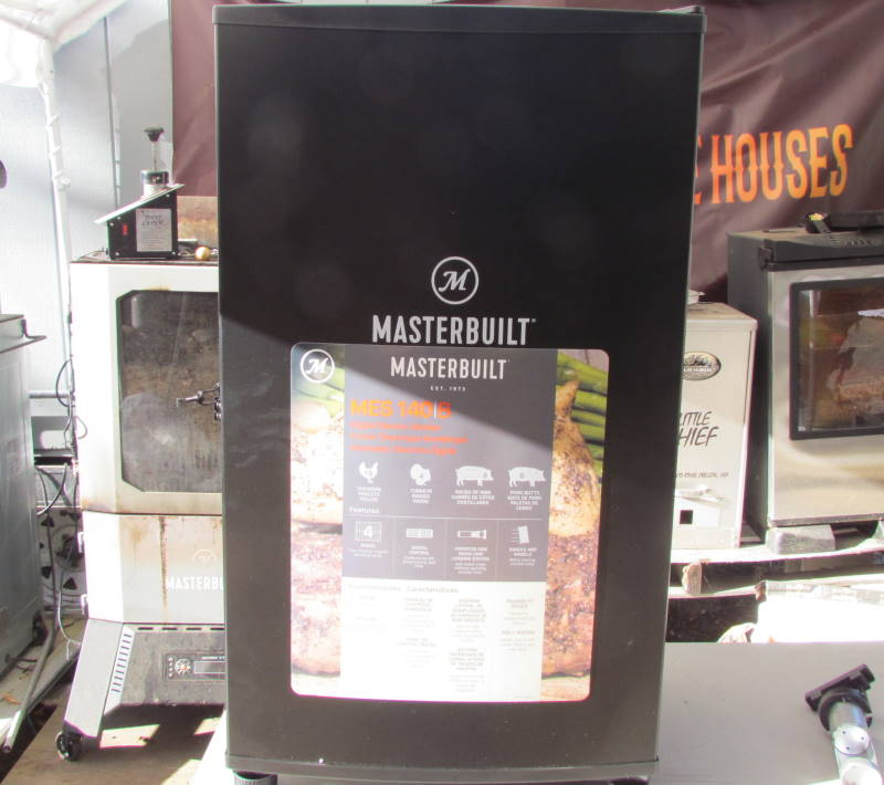 How to operate a Masterbuilt Electric Smoker